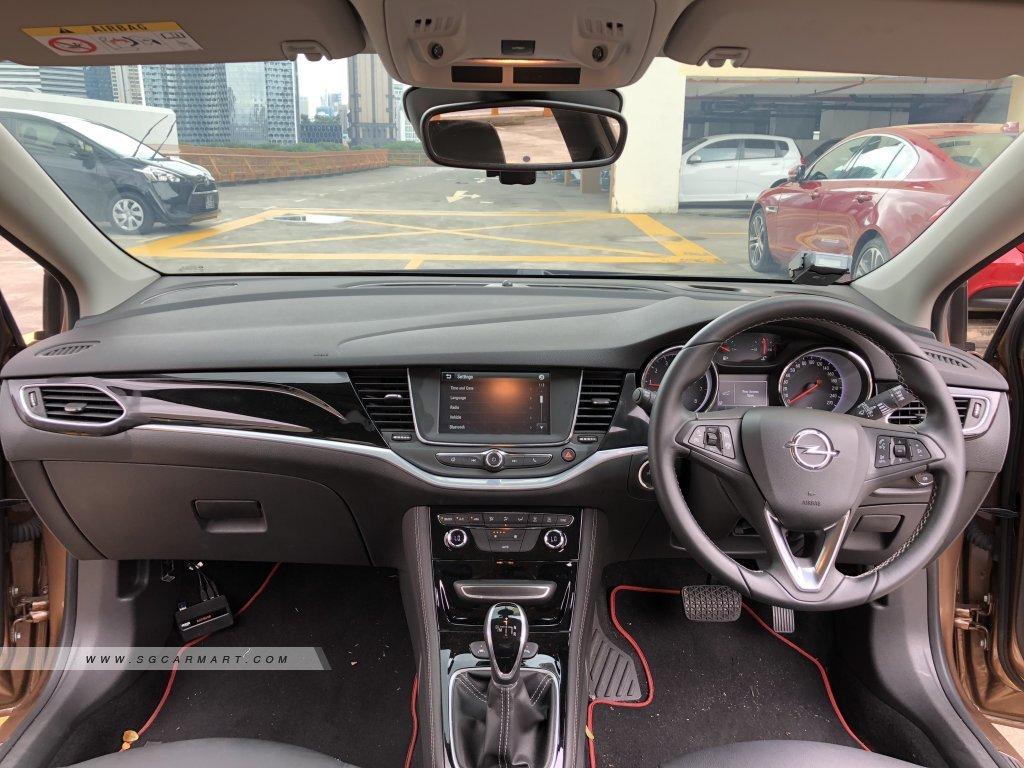Opel Astra Sports Tourer 1.0A