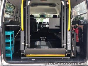 Toyota Hiace Commuter 3.0M