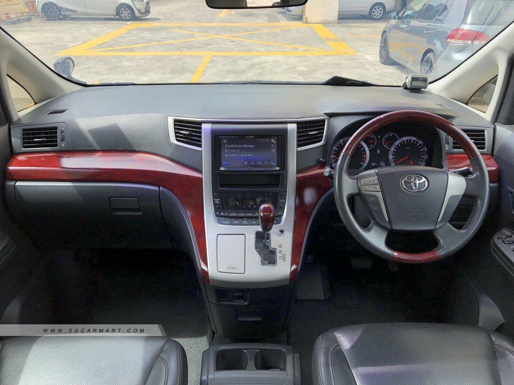 Toyota Vellfire 2.4A Z (New 10-yr COE)