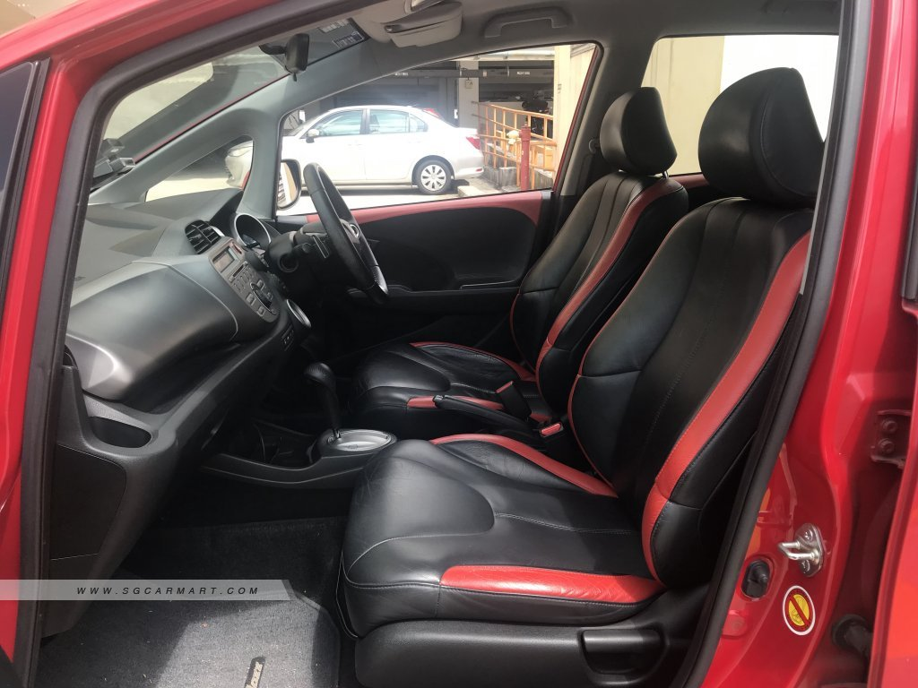 Honda Jazz 1.5A L (New 5-yr COE)