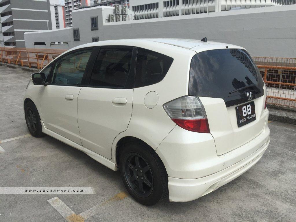 Honda Fit 1.5A RS (New 5-yr COE)
