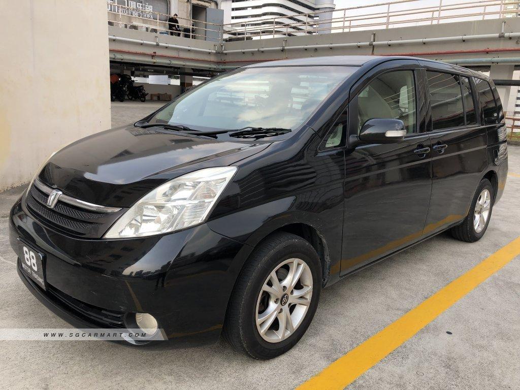 Toyota ISIS 1.8A LX (New 5-yr COE)