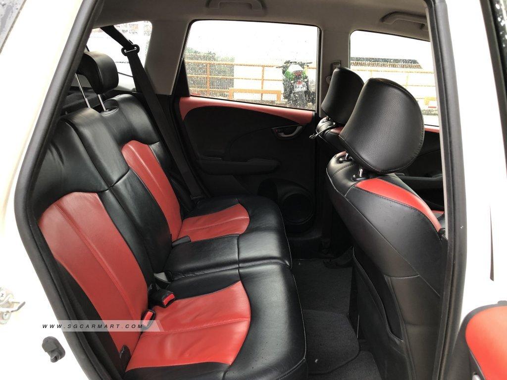 Honda Jazz 1.3A L (COE till 04/2024)