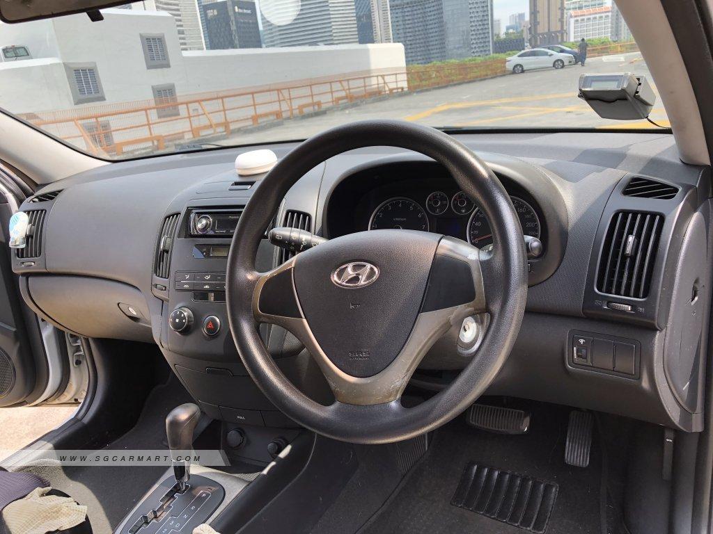Hyundai i30 1.6A (COE till 05/2024)