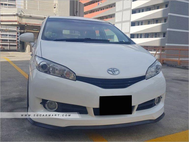 Toyota Wish 2.0A (COE till 03/2029)