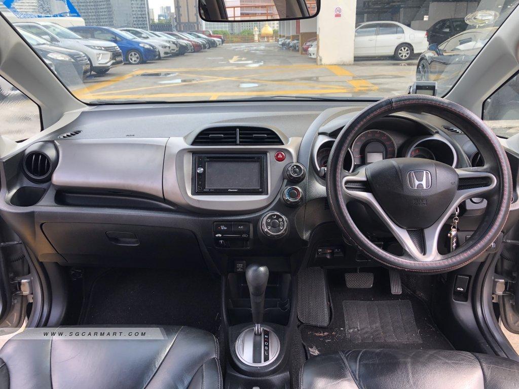 Honda Fit 1.3A G (COE till 06/2024)
