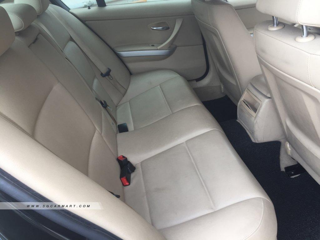 BMW 3 Series 318i (New 5-yr COE)
