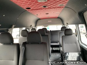 Toyota Hiace Commuter 3.0A High Roof