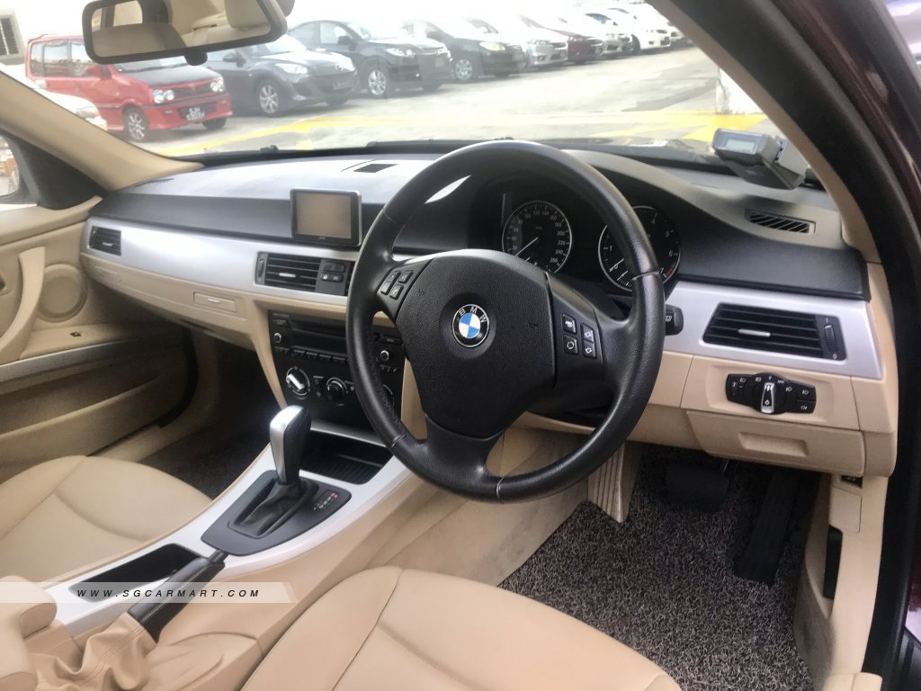 BMW 3 Series 318i (New 5-yr COE)