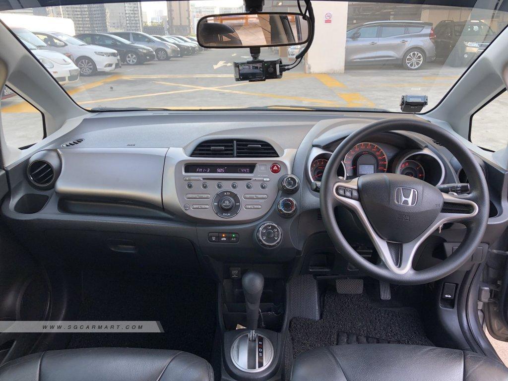 Honda Jazz 1.3A L (OPC)