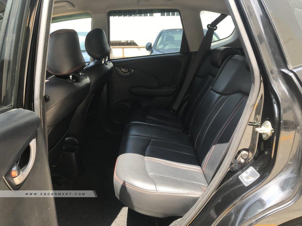 Honda Jazz 1.3A GLI (New 5-yr COE)