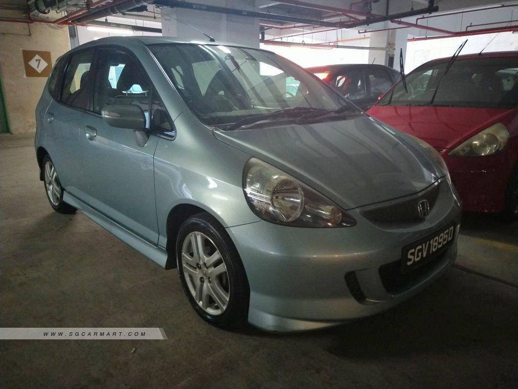 Honda Jazz 1.3A (COE till 05/2022)