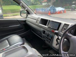 Toyota Hiace Commuter 3.0A High Roof (COE till 12/2023)