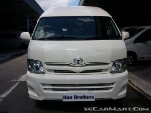Toyota Hiace Commuter 3.0A High Roof (New 5-yr COE)
