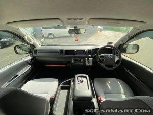 Toyota Hiace Commuter 3.0A GL High Roof
