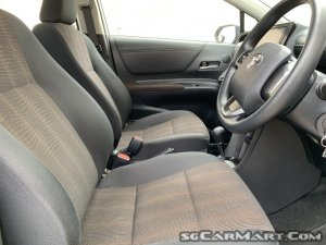 Toyota Sienta 1.5A G