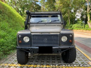 Land Rover Defender 90 (COE till 08/2025)