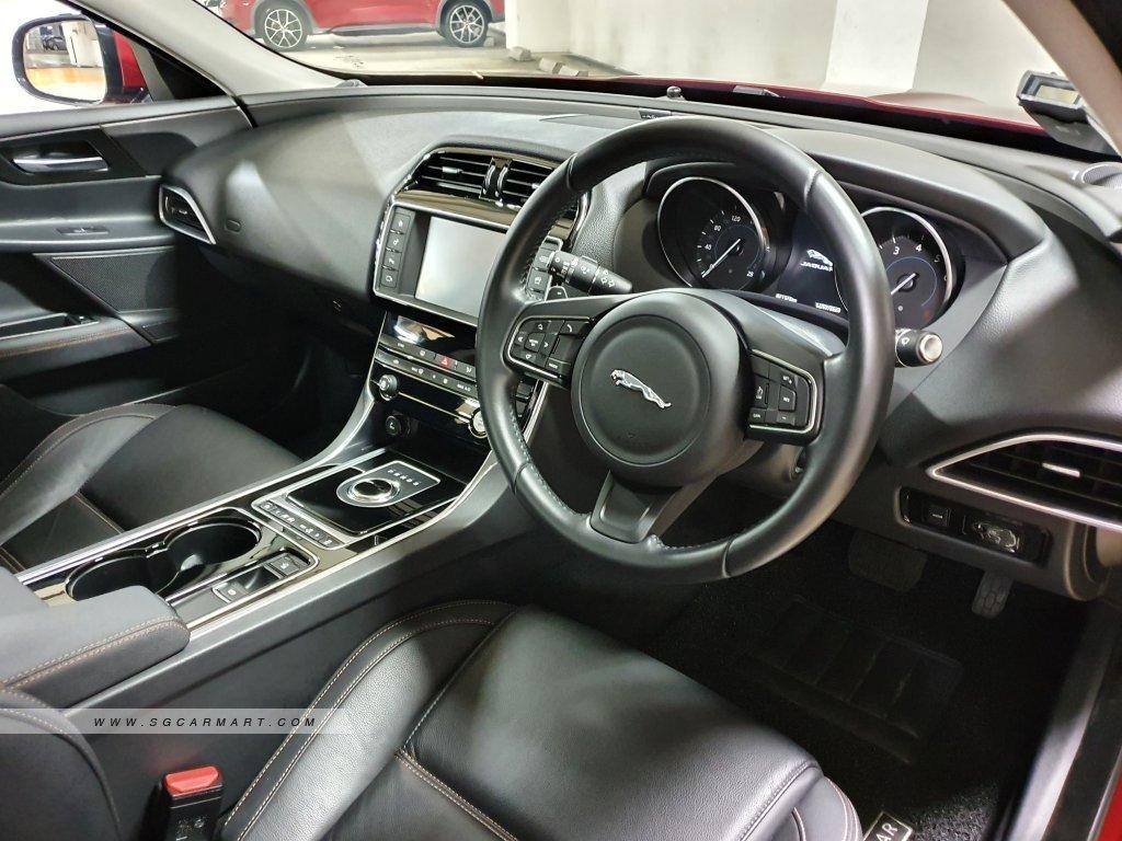 2017 Jaguar XE 2.0A Prestige