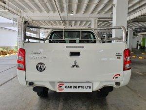 Mitsubishi Triton L200 Double-Cab 2.4M