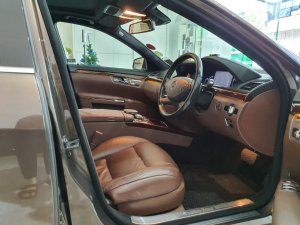 Mercedes-Benz S-Class S300L (New 10-yr COE)