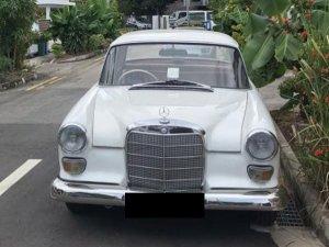 Mercedes-Benz 200 Fintail