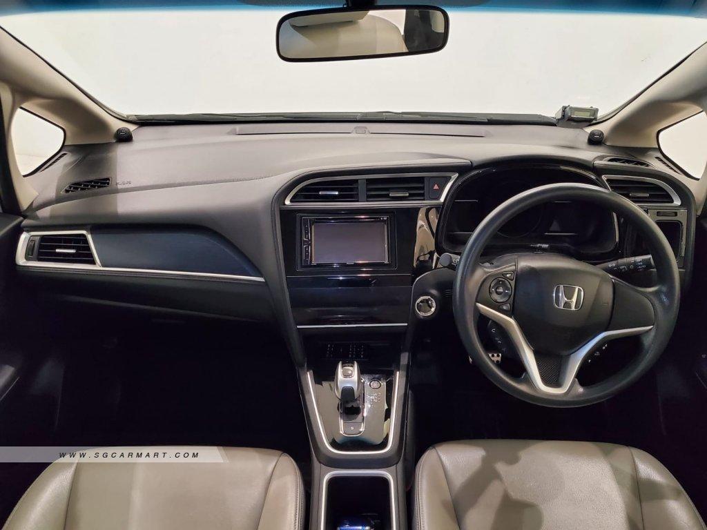 2018 Honda Shuttle Hybrid 1.5A