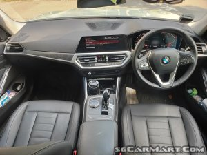 BMW 3 Series 320i Luxury