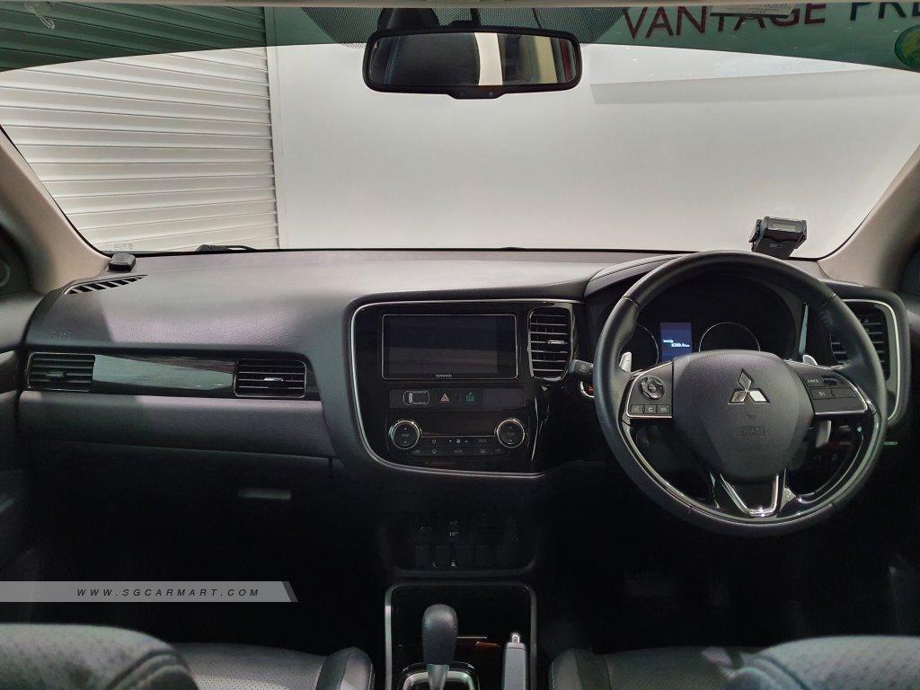 2018 Mitsubishi Outlander 2.0A Sunroof