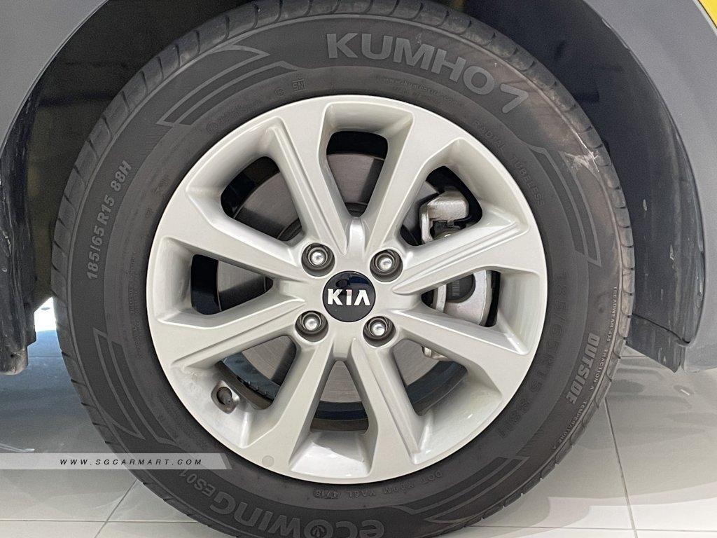 2019 Kia Stonic 1.0A EX
