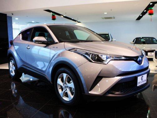 New Toyota C Hr Hybrid Photos Photo Gallery Sgcarmart