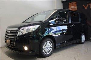 Toyota Noah Hybrid 2014