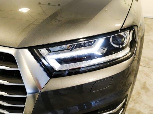 New Audi Q7 Photos, Photo Gallery - sgCarMart
