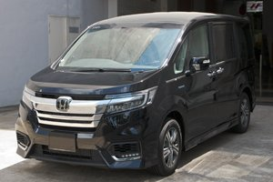 Honda Stepwagon Hybrid