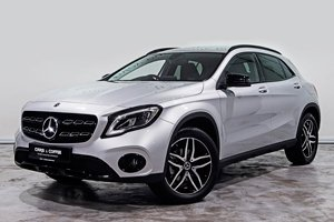 Mercedes-Benz GLA-Class Cars & Coffee Edition