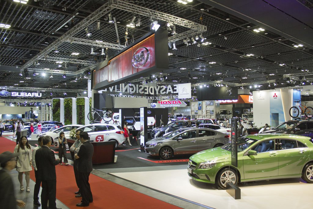 The Singapore Motor Show Vrooms Back In - Automotive show