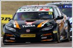Hondas battle hard at Rockingham