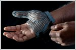 Jaguar Land Rover develops 3D-printed glove