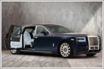 Rolls-Royce builds customised Rose Phantom