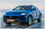 A Lamborghini Urus sets a high speed record on the icy surface of Lake Baikal