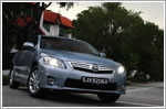 Car Review - Toyota Camry Hybrid 2.4 (A)