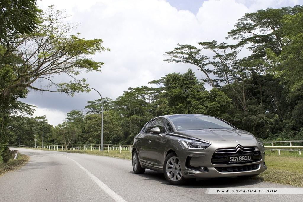 Car Review - Citroen DS5 Diesel 1 6 e-HDi ETG (A)