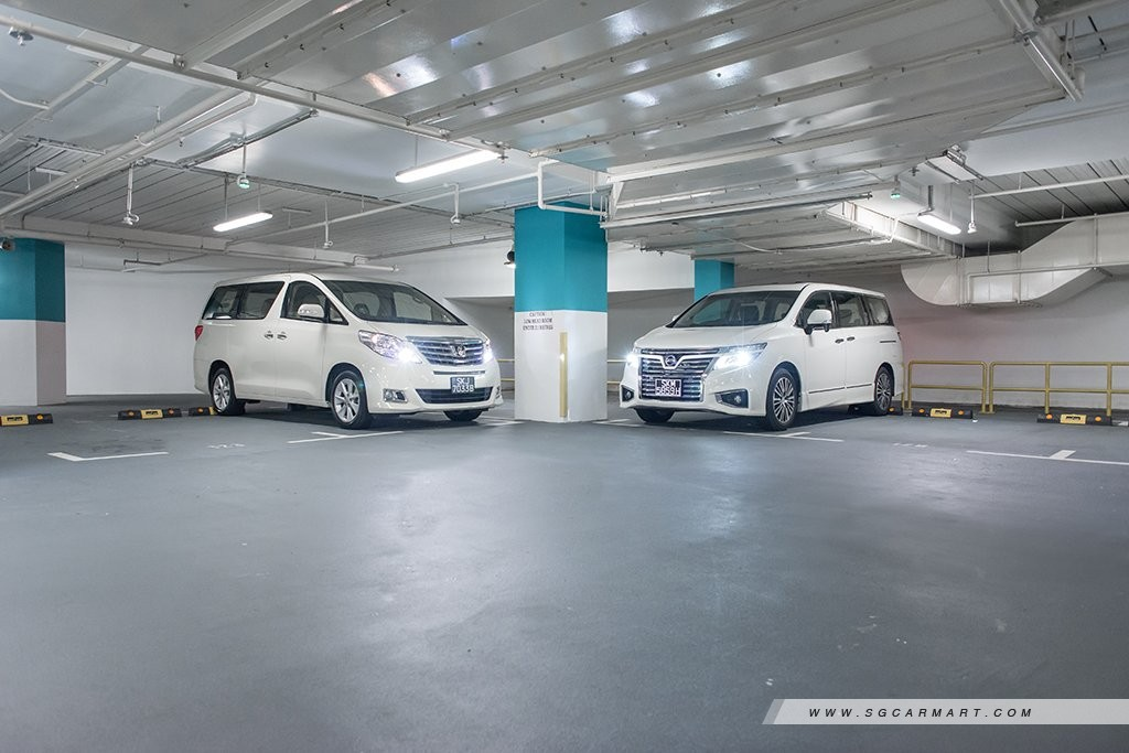 Comparison - Nissan Elgrand 2 5 Highway Star 7-seater (A) & Toyota