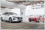 Comparison - Hyundai Ioniq Hybrid 1.6 GLS & Toyota Prius Hybrid 1.8