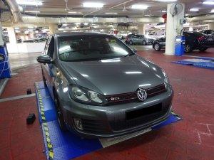 Volkswagen Golf GTI 2.0L AT 5DR