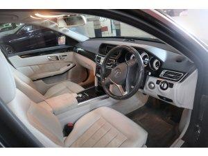 Mercedes Benz E200 Sedan (R18)