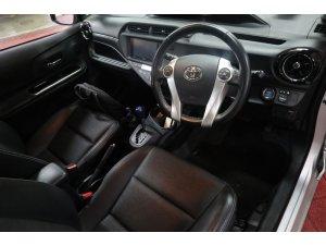 Toyota Prius C 1.5A CVT (Hybrid)