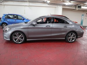 Mercedes Benz CLA200
