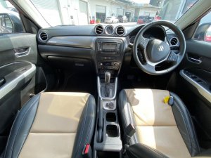 Suzuki Vitara 1.6A GLX Sunroof